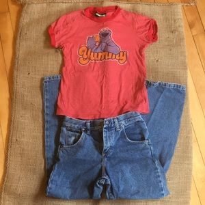 Set! Sesame Street tee and Wrangler jeans outfit